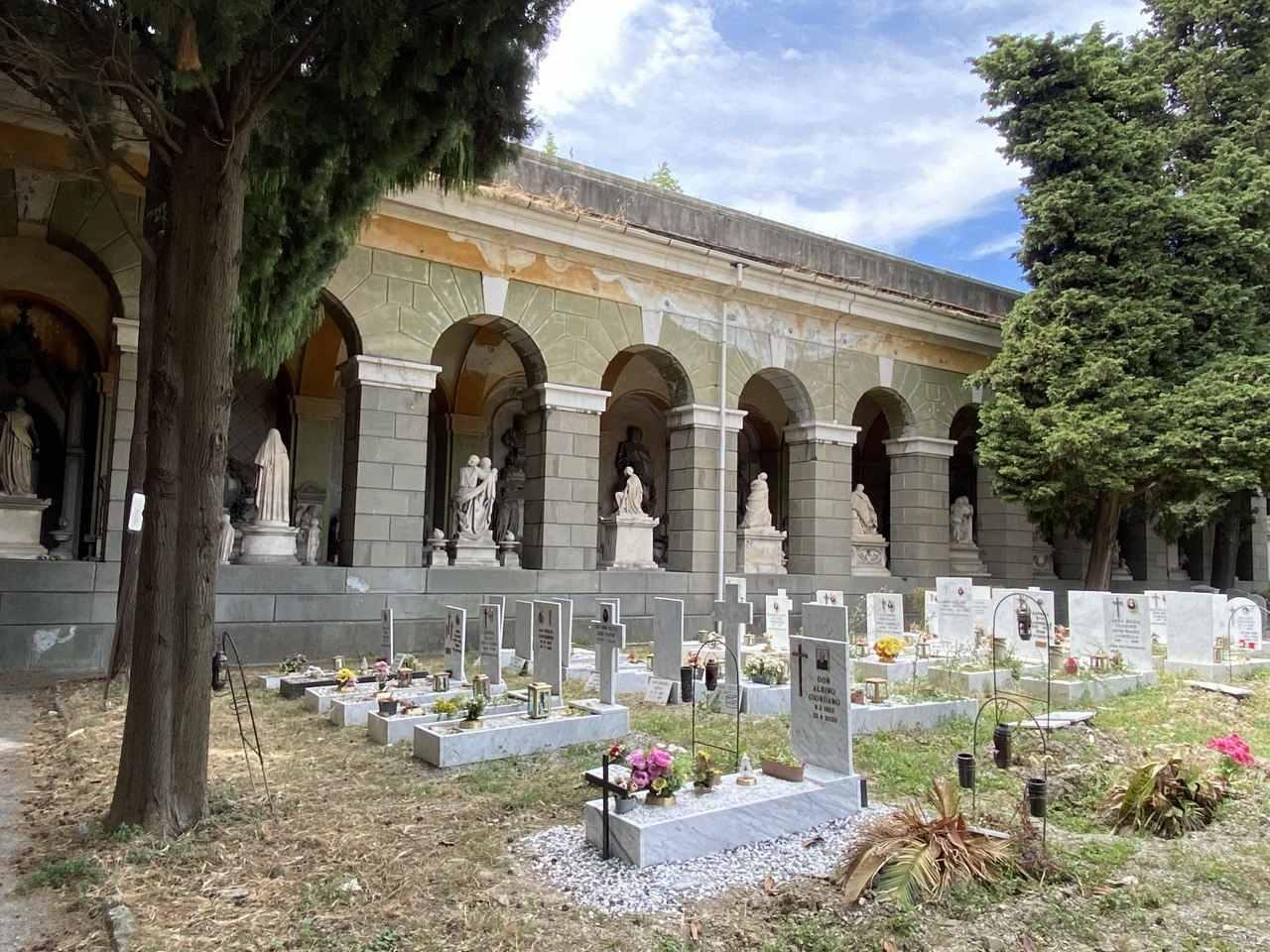 какие памятники на могилу лучше