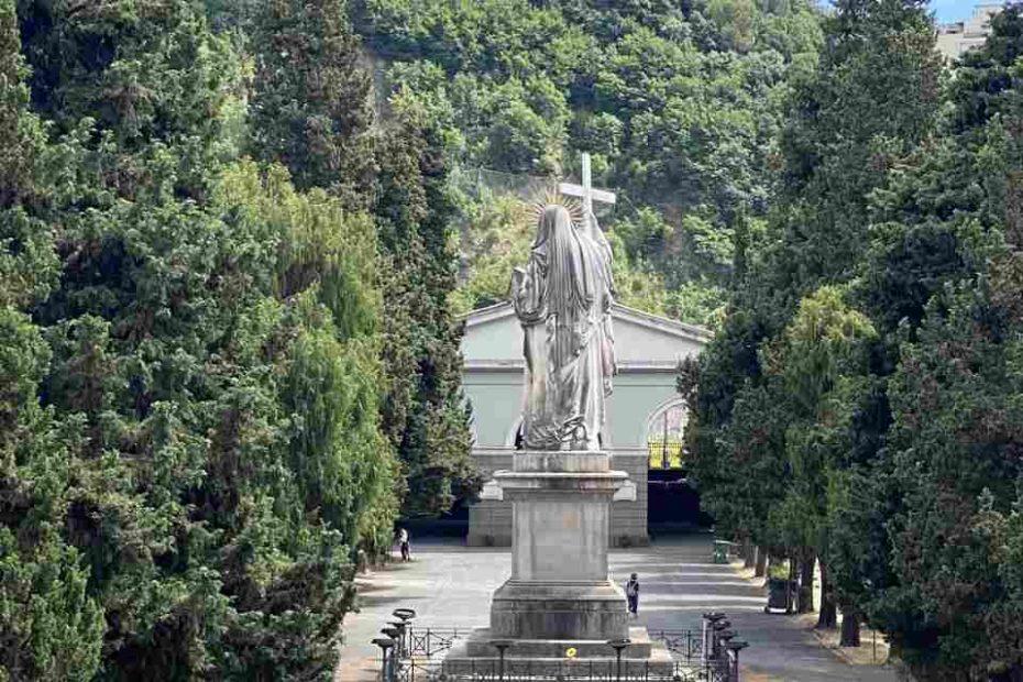 дорогой памятник на могилу
